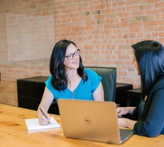 Seven Things Great Job Interviewers Do Every Time - Comeet Applicant Tracking